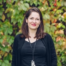 Elizabeth Oldfield