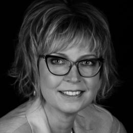 Deani Van Pelt