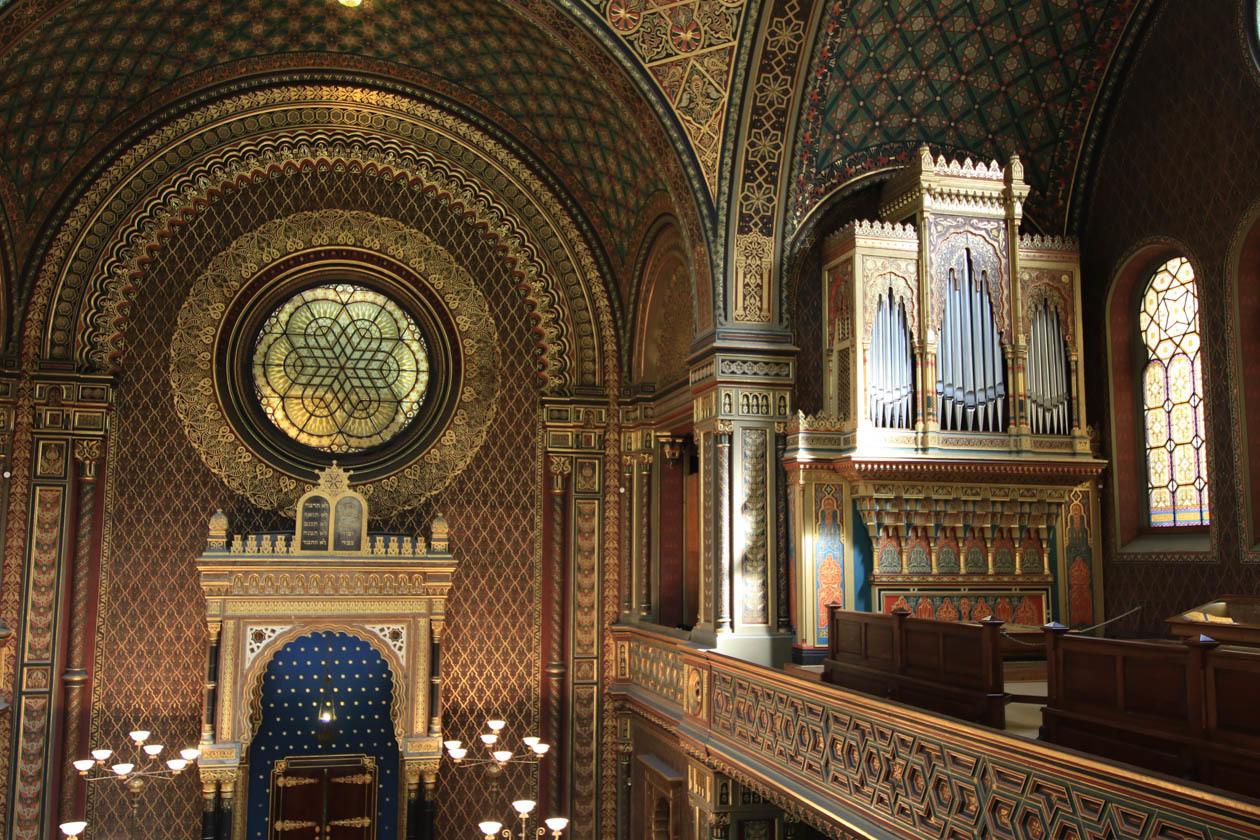 Soft light illuminates the synagogue