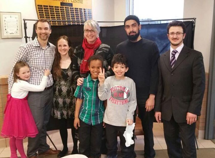 Photo by Heather Denis from Right to Refuge. Image from #refugeeswelcome, an event with Thunder Bay Muslims Association and the Hon. Patty Hajdu, Minister of Status of Women.
