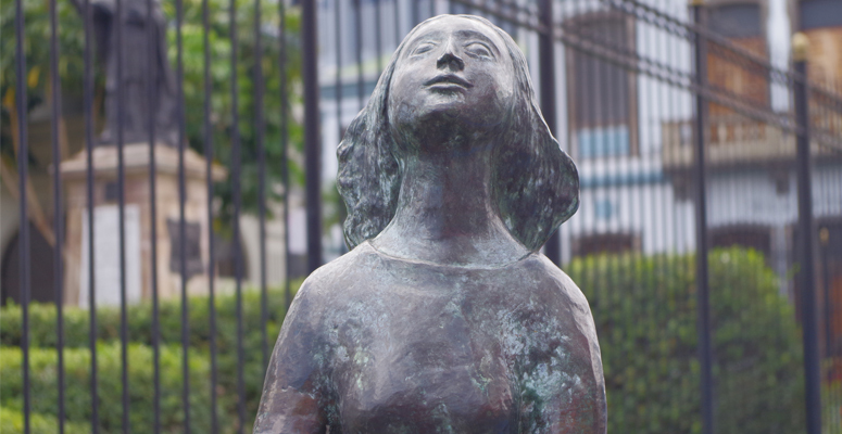 Anne Frank bronze statue located in San Jose downtown, the statue was made by the Dutch sculptor Joep Coppens.