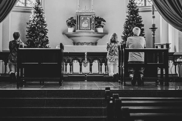 When Mass Kneeling Replaces Faith