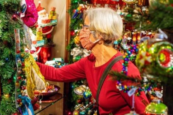COVID, Christmas, and holiday plans of Canadians